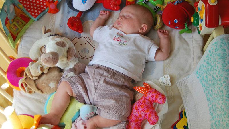 Mainan-bayi
