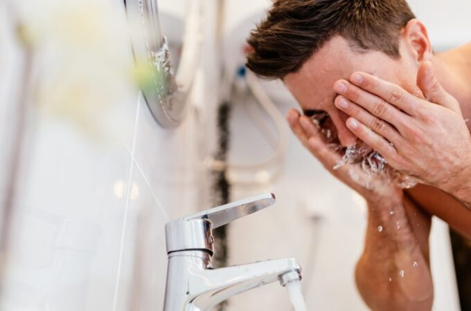 Tips Perawatan Wajah yang Tepat Bagi Para Pria